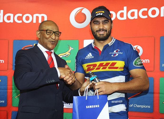 CAPE TOWN, SOUTH AFRICA - MAY 30: Damian de Allende of the Stormers during the Super Rugby match between DHL Stormers and Toyota Cheetahs at DHL Newlands Stadium on May 30, 2015 in Cape Town, South Africa. (Photo by Luke Walker/Gallo Images)