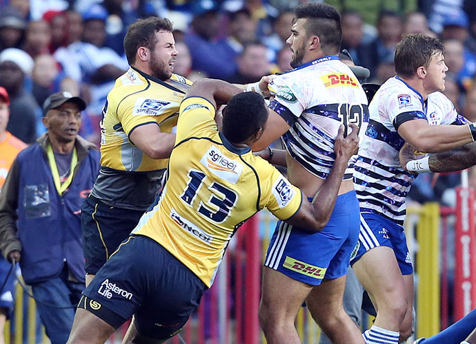 CAPE TOWN, SOUTH AFRICA - MAY 09: Brumbies and Stormers scuffle during the Super Rugby match between DHL Stormers and Brumbies at DHL Newlands Stadium on May 09, 2015 in Cape Town, South Africa. (Photo by Carl Fourie/Gallo Images)