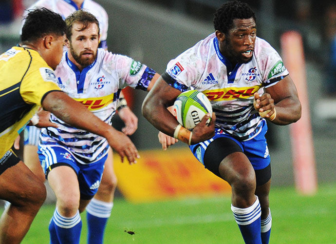 CAPE TOWN, SOUTH AFRICA - MAY 09: Siya Kolisi of the Stormers during the Super Rugby match between DHL Stormers and Brumbies at DHL Newlands Stadium on May 09, 2015 in Cape Town, South Africa. (Photo by Peter Heeger/Gallo Images)