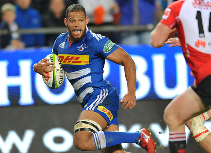 CAPE TOWN, SOUTH AFRICA - JUNE 06: Nizaam Carr of the Stormers on his way to score a try during the Super Rugby match between DHL Stormers and Emirates Lions at DHL Newlands Stadium on June 06, 2015 in Cape Town, South Africa. (Photo by Ashley Vlotman/Gallo Images)