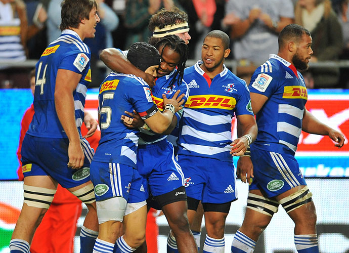 CAPE TOWN, SOUTH AFRICA - JUNE 06: Stormers celebrate the try of Nizaam Carr of the Stormers during the Super Rugby match between DHL Stormers and Emirates Lions at DHL Newlands Stadium on June 06, 2015 in Cape Town, South Africa. (Photo by Ashley Vlotman/Gallo Images)